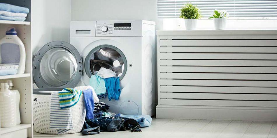 pojemna suszarka do prania i kosz ciuchów