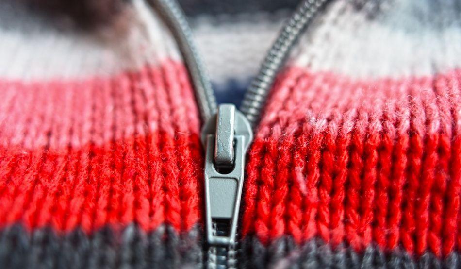 Sweter, na którym pojawiają się zmechacenia