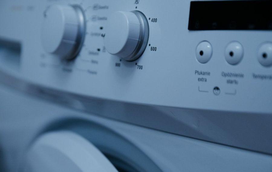 przydatne akcesoria do pralek automatycznych
