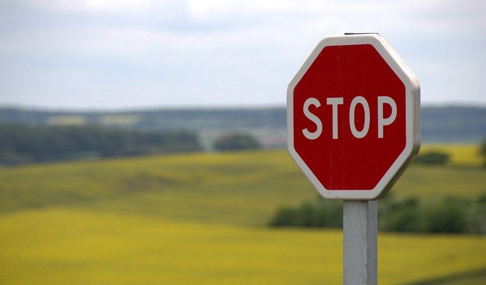 znaki drogowe trzeba znać, szczególnie stop