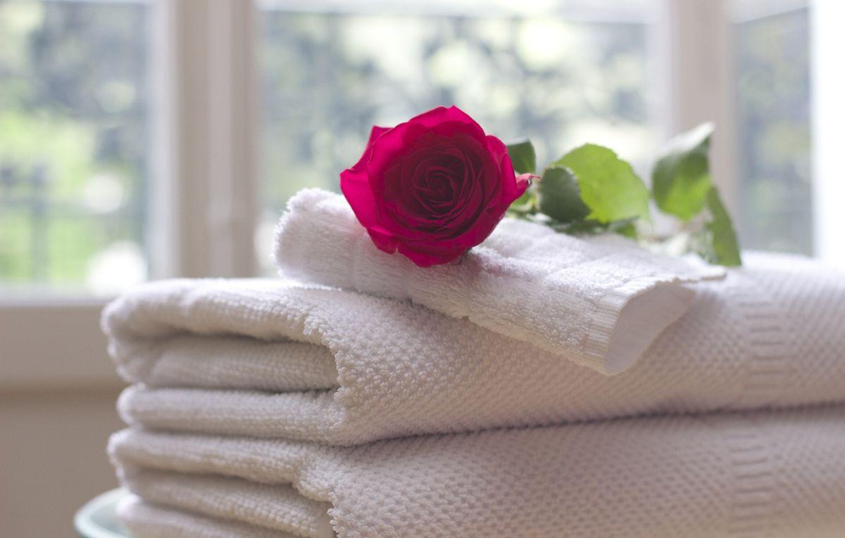 jak prać i suszyć ręczniki, aby były miękkie i pachnące