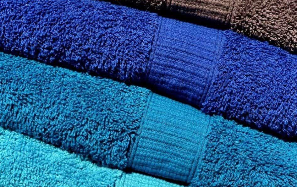 ręczniki w niebieskich odcieniach