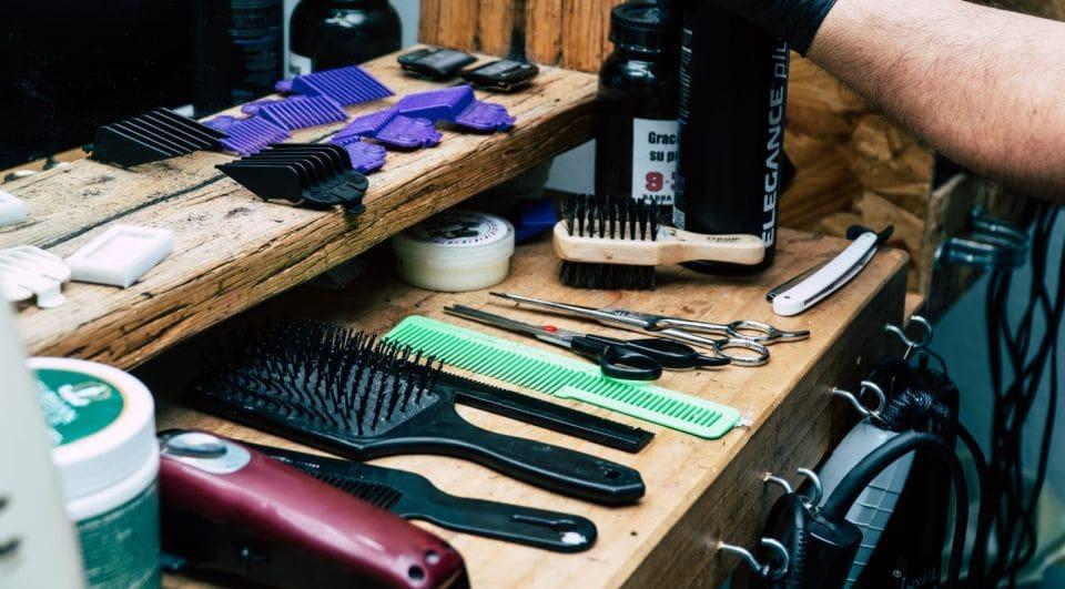 narzędzia i akcesoria do pielęgnacji brody