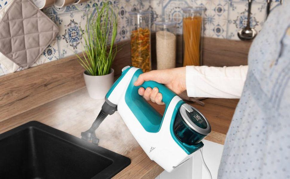 czyszczenie zlewu myjką parową