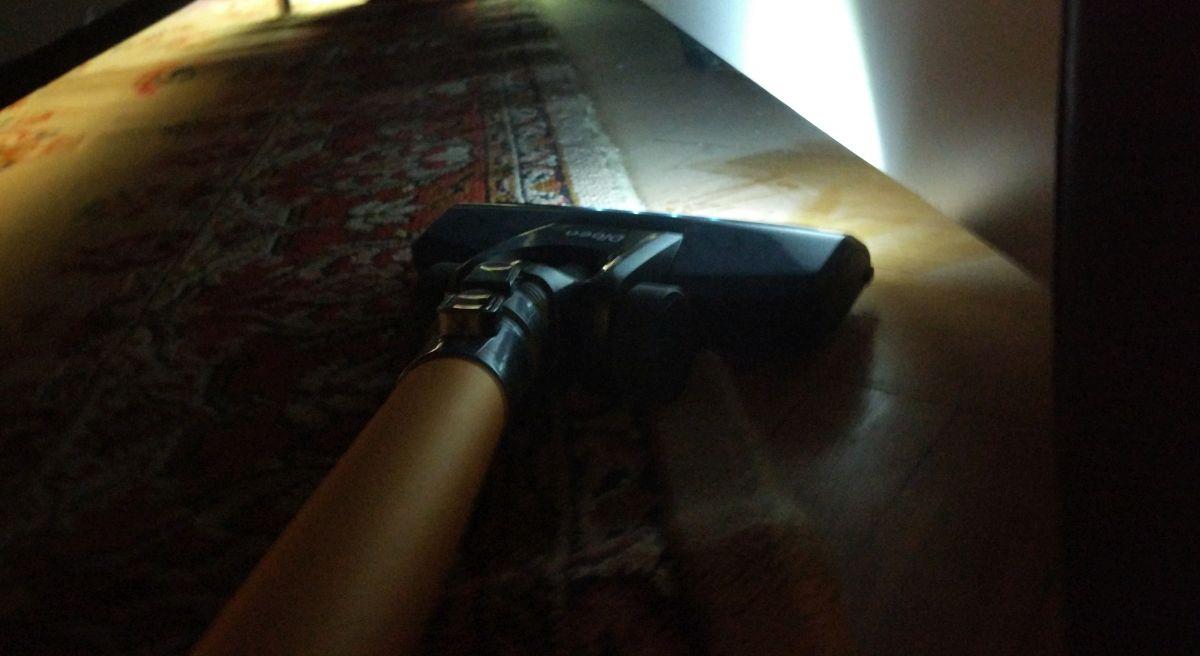 Dibea D18 odkurzanie pod łóżkiem