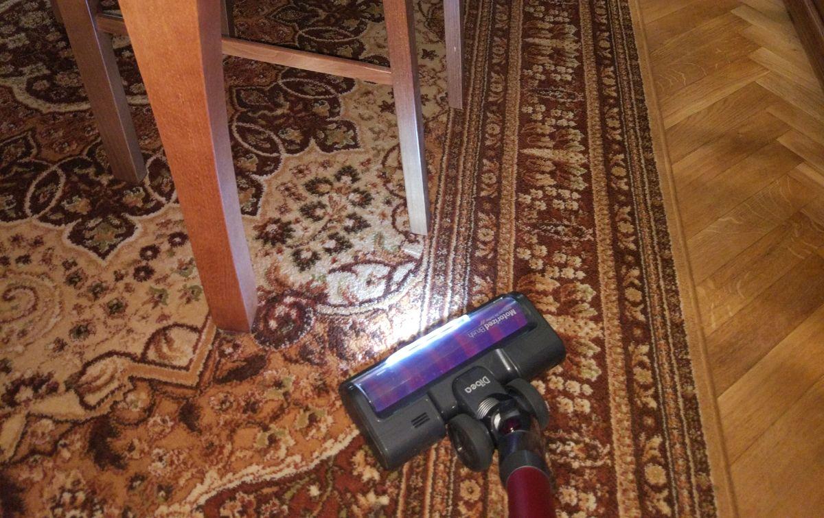 Dibea F20 MAX na drugim dywanie 2