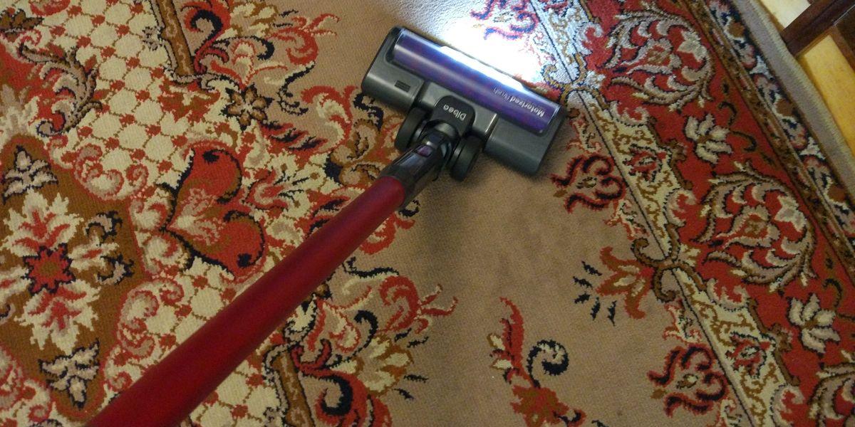 Dibea F20 MAX na pierwszym dywanie 2
