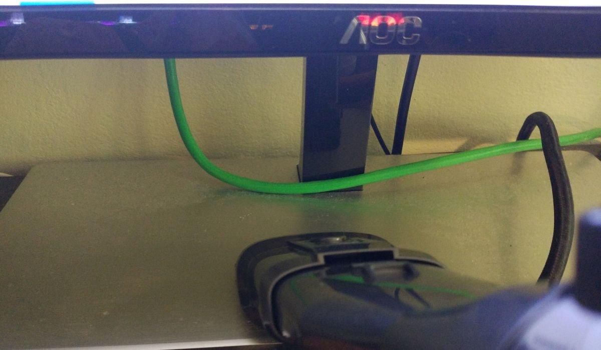 Dibea V088 pro odkurzanie podstawy monitora