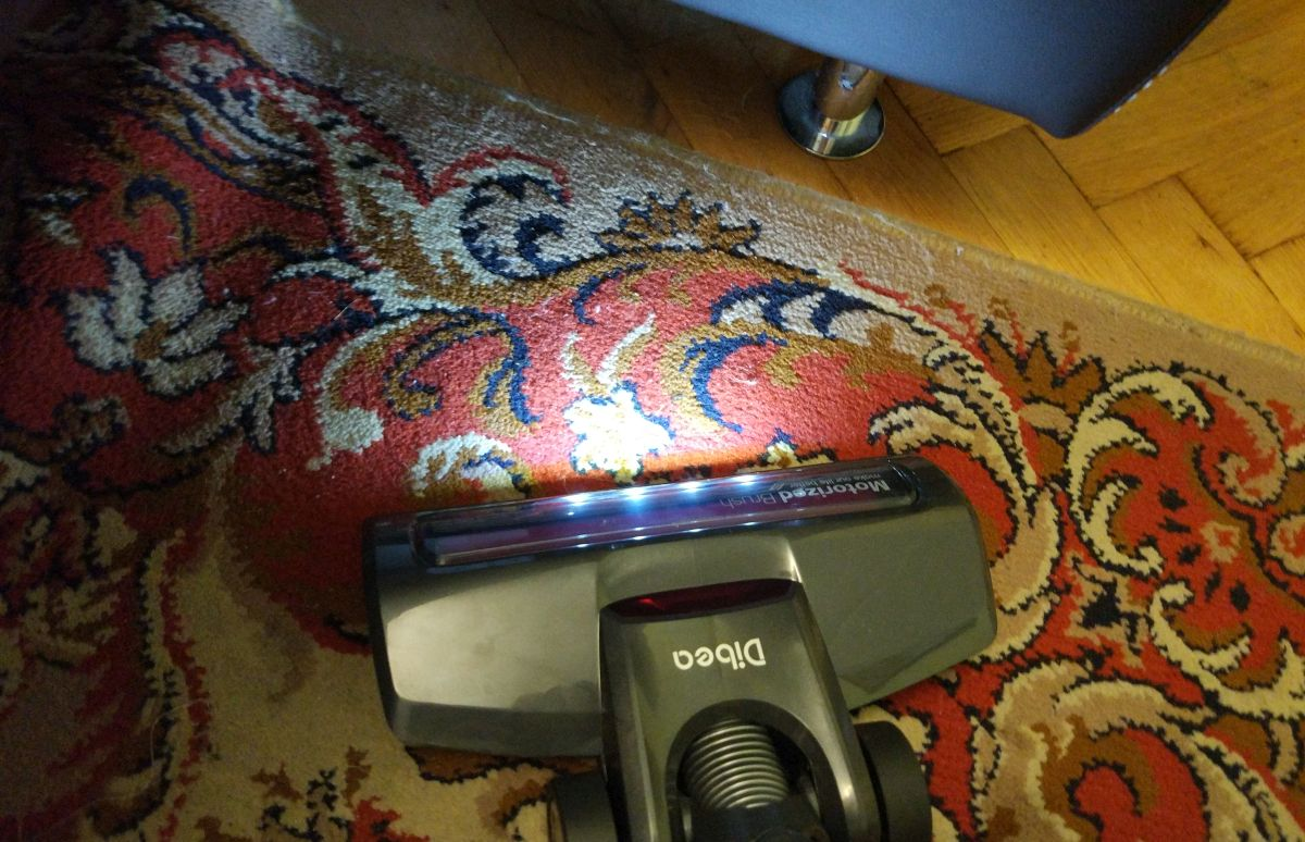 Dibea V008 Pro odkurzanie pierwszego dywanu2
