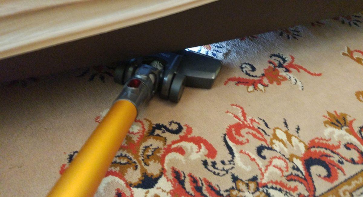 Dibea V008 Pro odkurzanie pierwszego dywanu3
