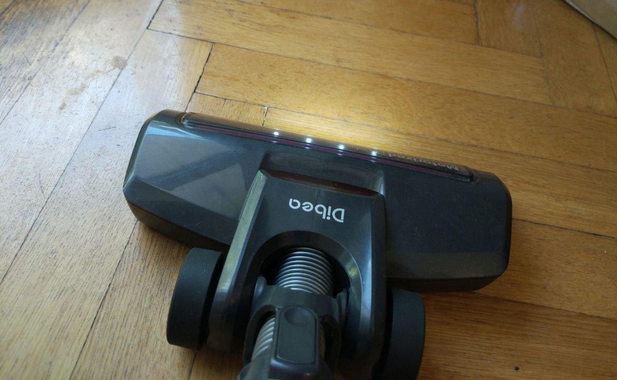 Dibea V008 pro odkurzanie parkietu