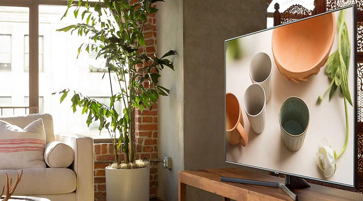 Telewizor Samsung UE50RU7472U stylistyka