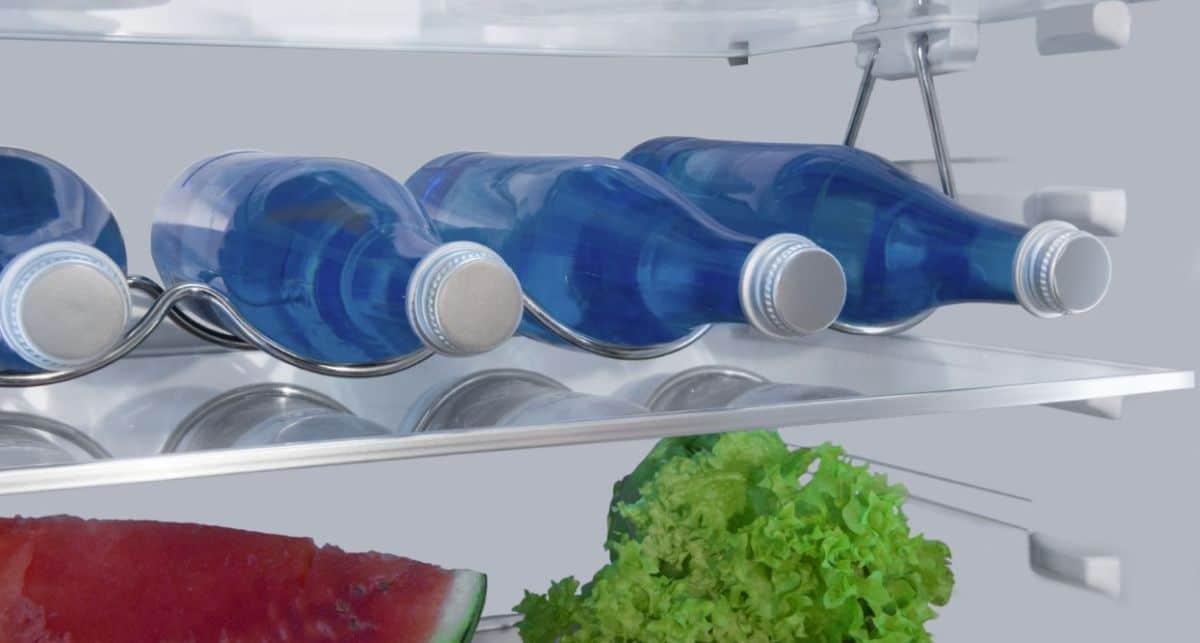 Amica BK3185.4DFCAA butelki na metalowym stojaku