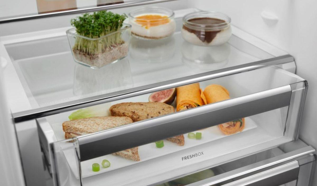Electrolux ENN3074EFW szuflada freshbox z przysmakami
