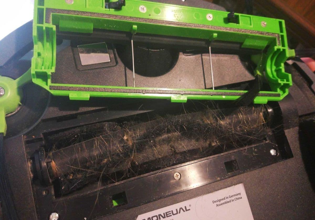 Moneual MBOT 950 centralna szczotka po odkurzaniu