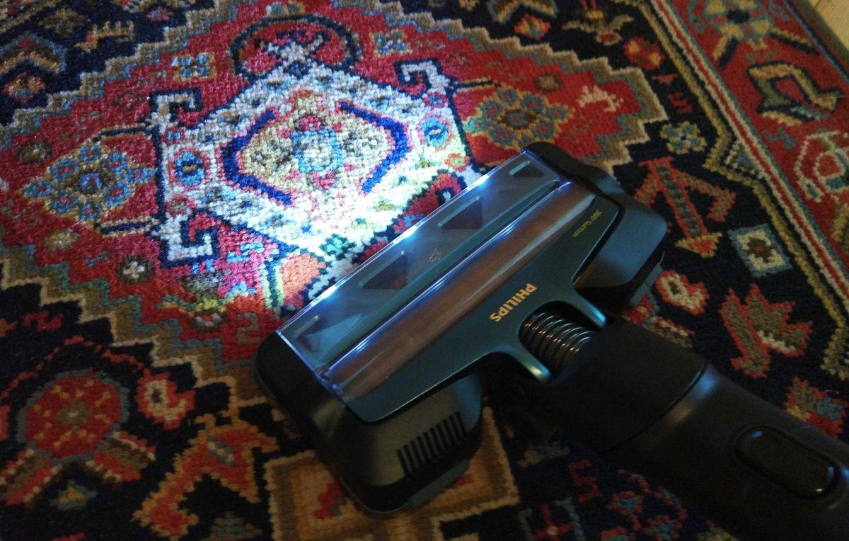 Philips XC8147/01 test odkurzania dywanu w przedpokoju 5
