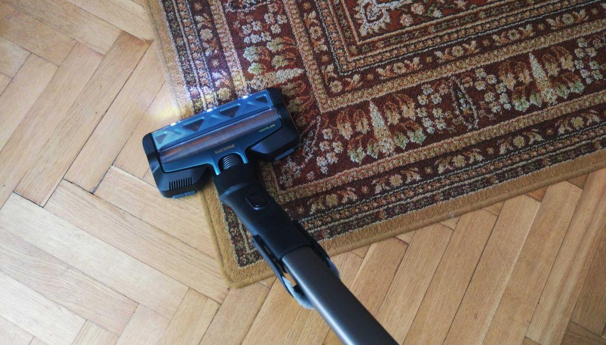 Philips XC8147/01 test odkurzania dywanu w pierwszym pokoju 2