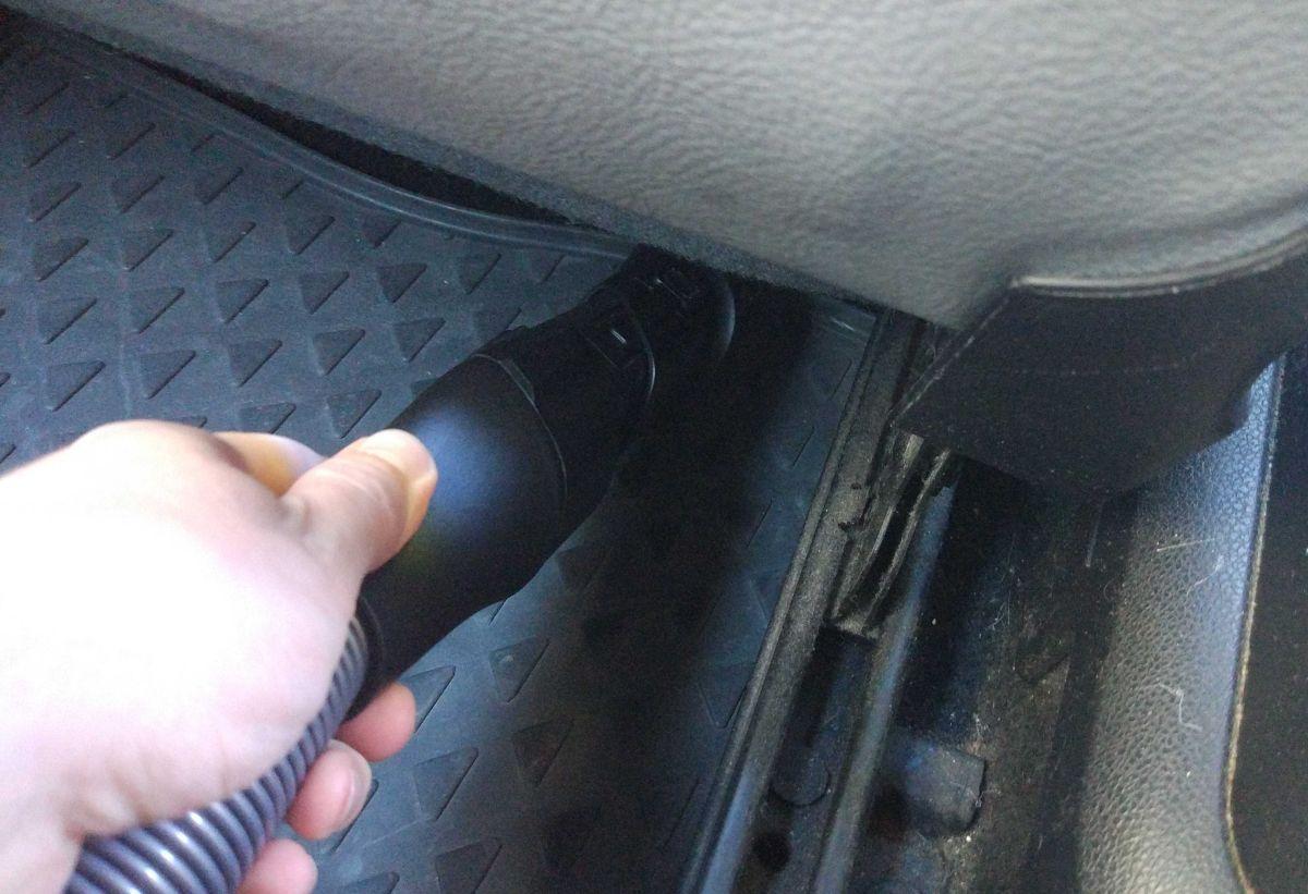 Philips XC8147/01 odkurzanie samochodu wężem i szczotką 5