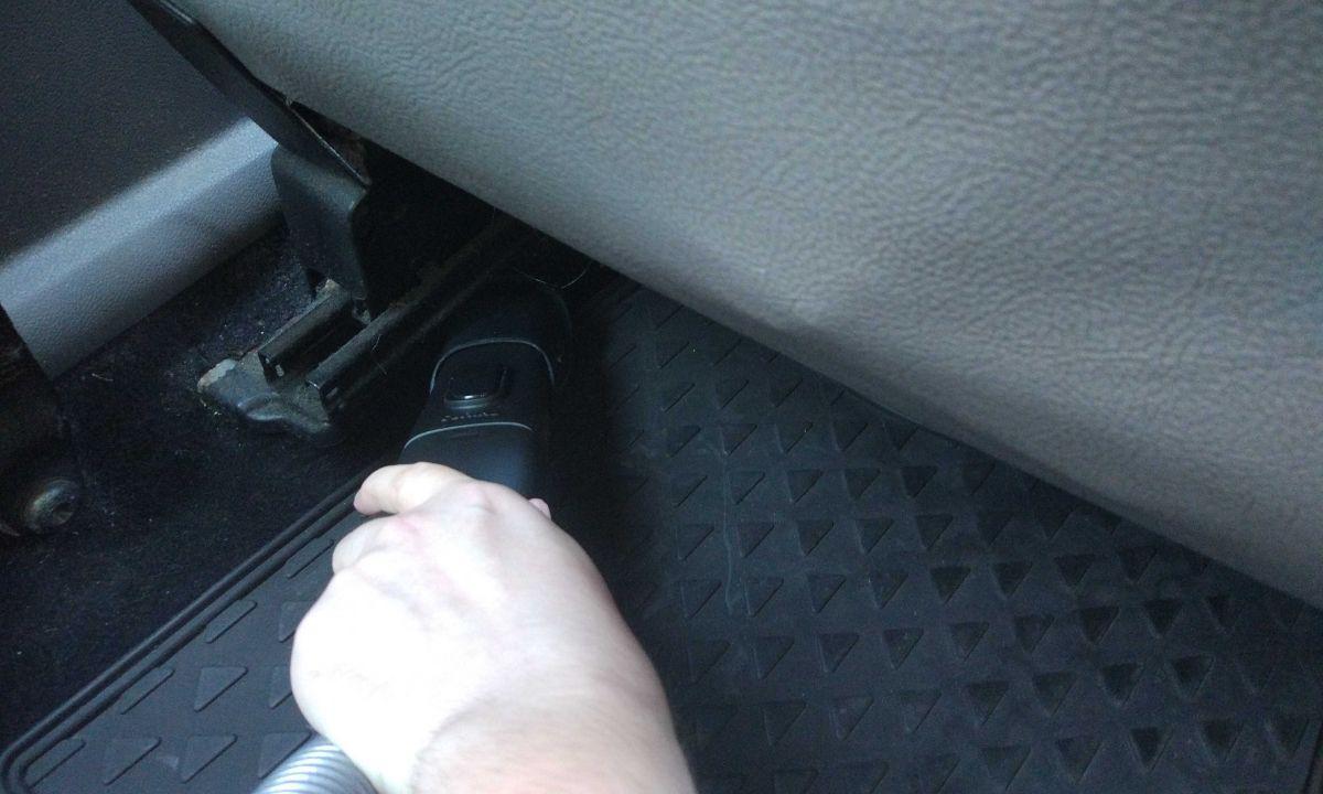 Philips XC8147/01 odkurzanie samochodu wężem i szczotką 6