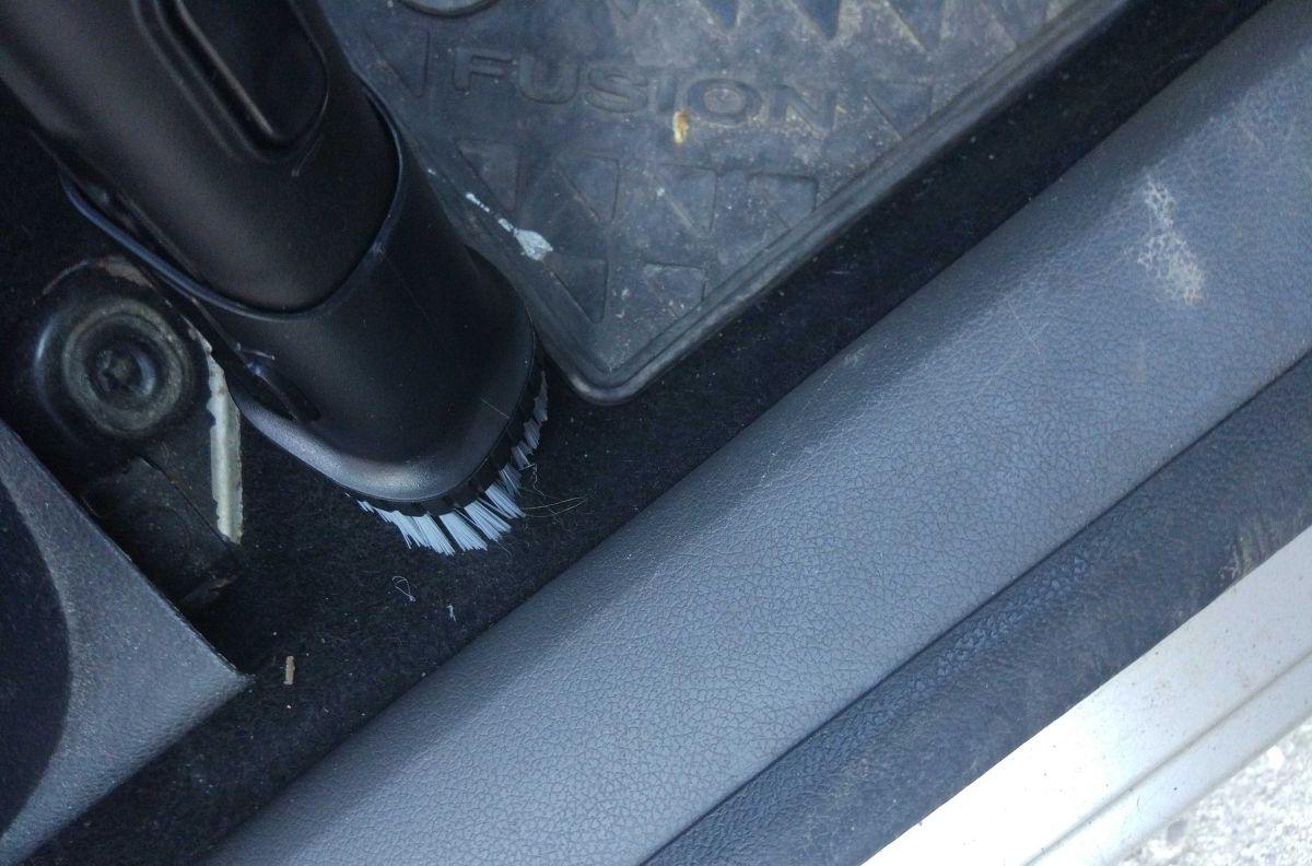 Philips XC8147/01 odkurzanie samochodu wężem i szczotką