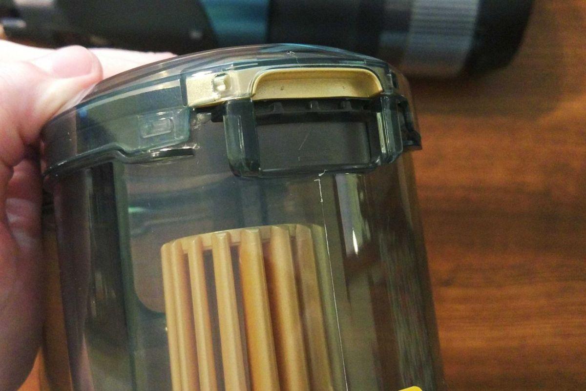Philips XC8147/01 sposób otwierania pojemnika na śmieci