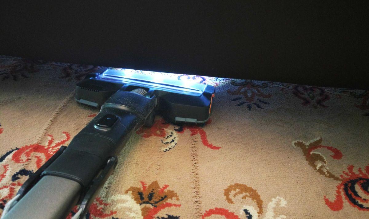 Philips XC8147/01 łatwe wjeżdżanie pod łóżko