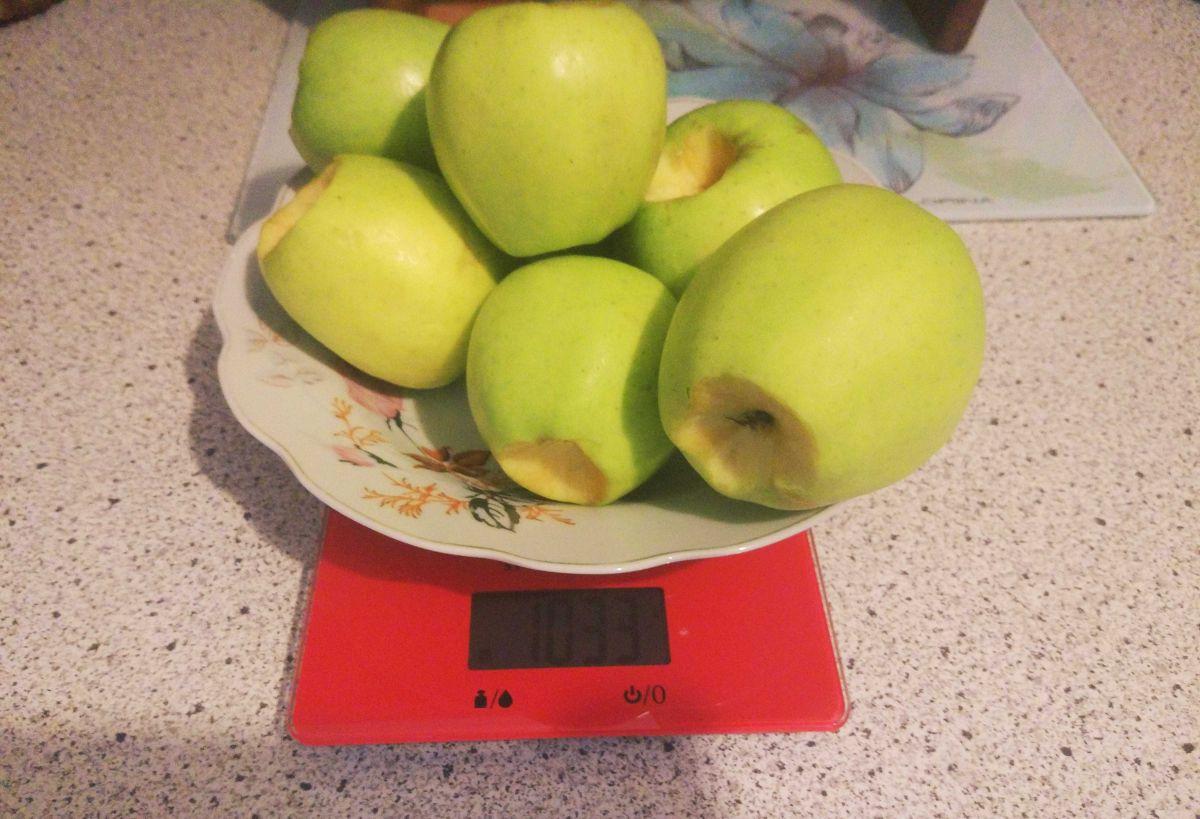 zważone jabłka przed testem wyciskania soku z Philips HR1889/70