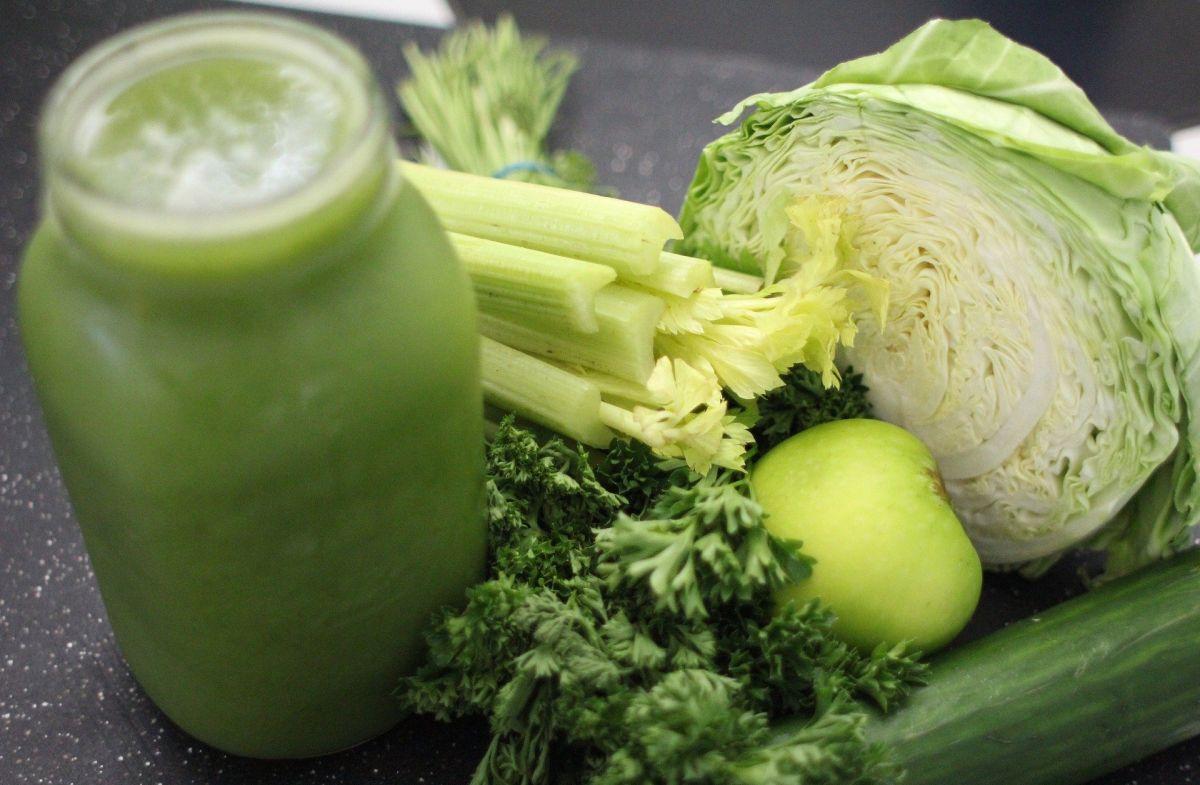liściaste i łodygowate składniki wymagają wydajnej wyciskarki