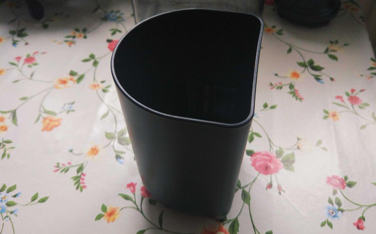Wyciskarka wolnoobrotowa Philips HR1889/70 pojemnik na pulpę