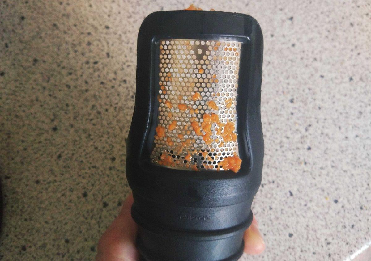Philips HR1889/70 sitko po wyciskaniu soku z marchwi