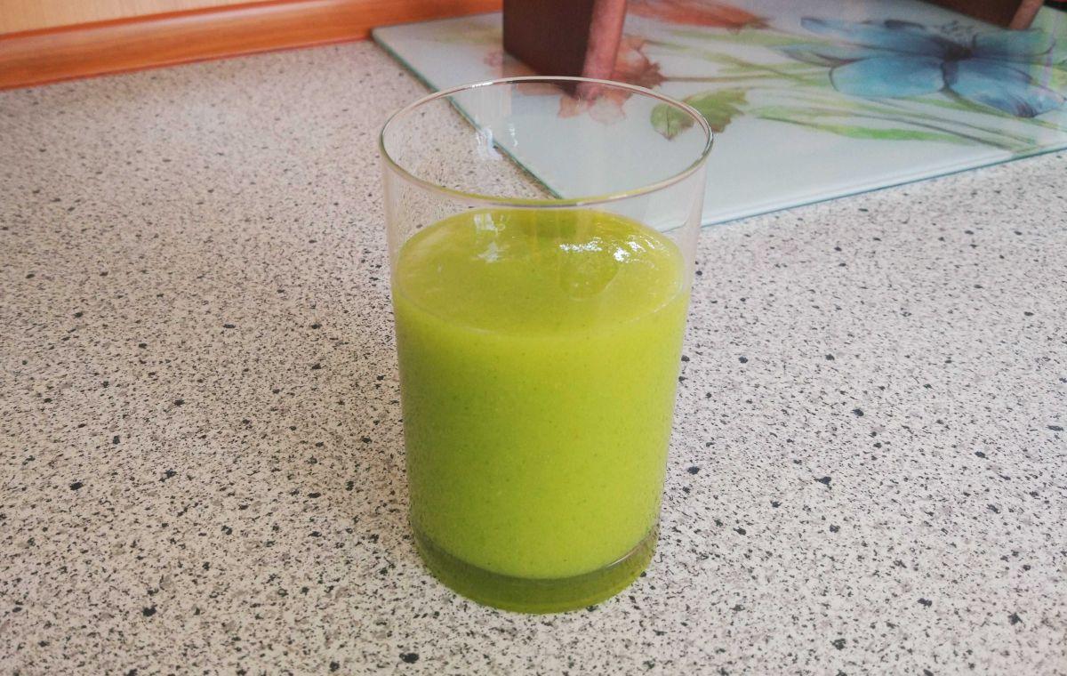 szklanka z drugim koktajlem wykonanym technologią próżniową 2