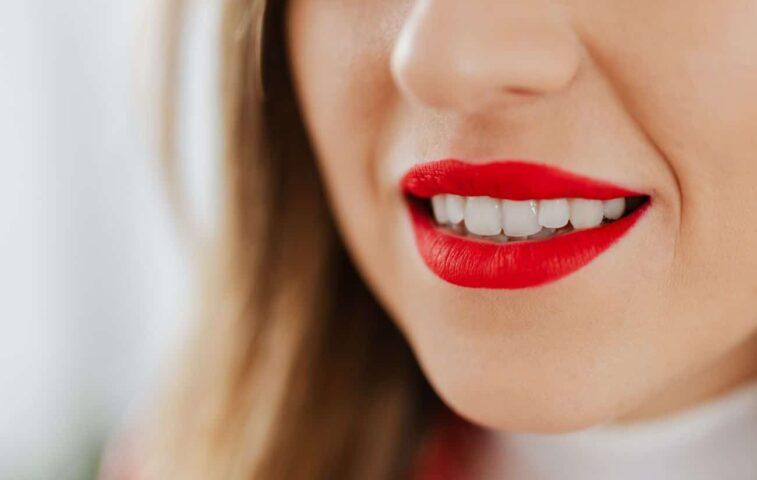 Czy szczoteczka soniczna jest bezpieczna dla szkliwa zębów? Czy je niszczy?