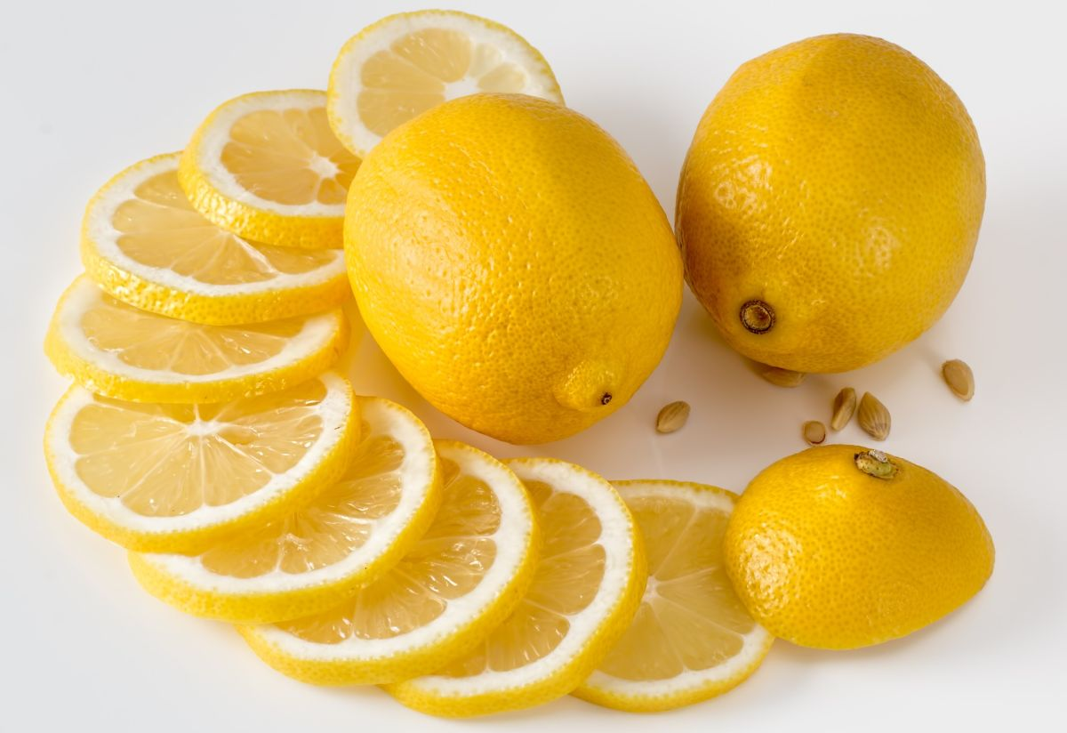 Miksowanie cytryny działa odświeżająco i usuwa nieprzyjemne zapachy