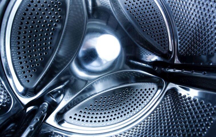 Jak działa pralko-suszarka - jak pierze i suszy ubrania w bębnie?