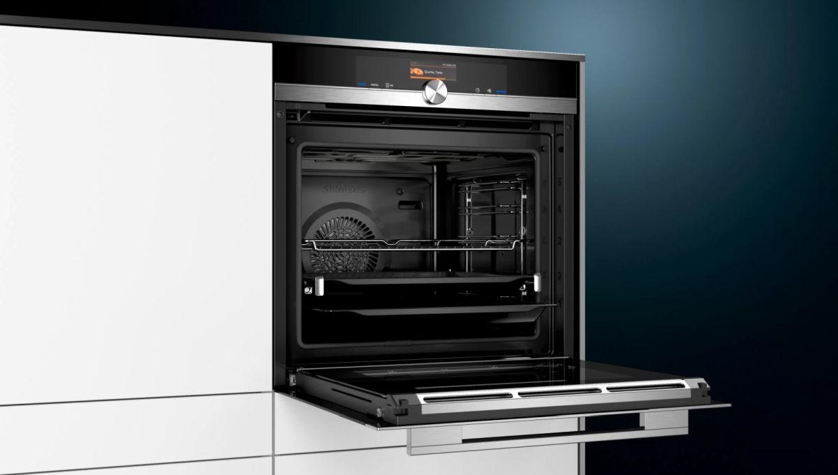 Piekarnik elektryczny Siemens HB676G0S1 w zabudowie i gotowy do pieczenia