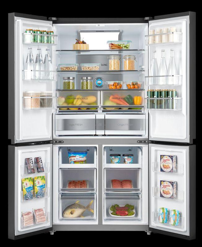 Toshiba GR-RF646WE wnętrze lodówki z jedzeniem