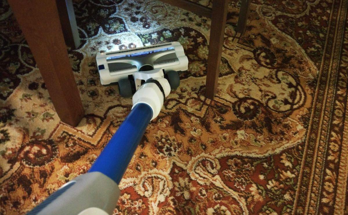 Tefal TY9490 test odkurzania dywanu