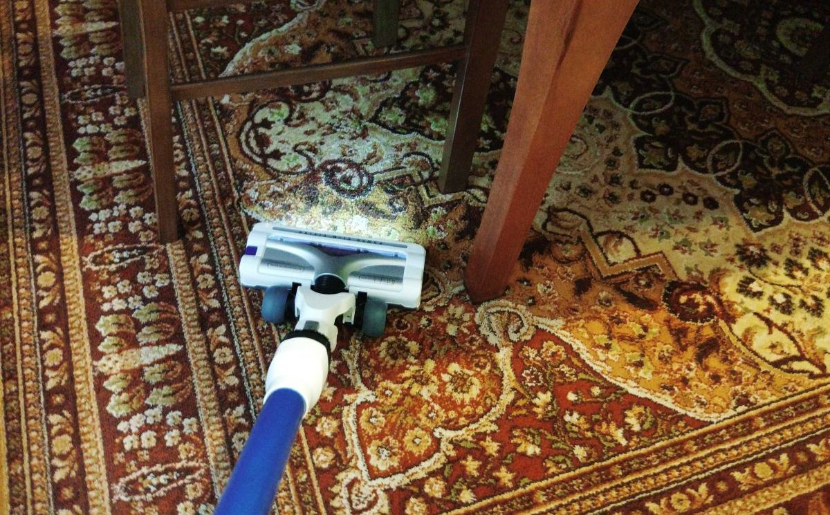 Tefal TY9490 test odkurzania dywanu 4