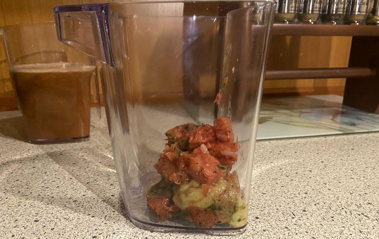 Kuvings EVO820 Plus pulpa po teście wyciskania soku warzywno-owocowego 2