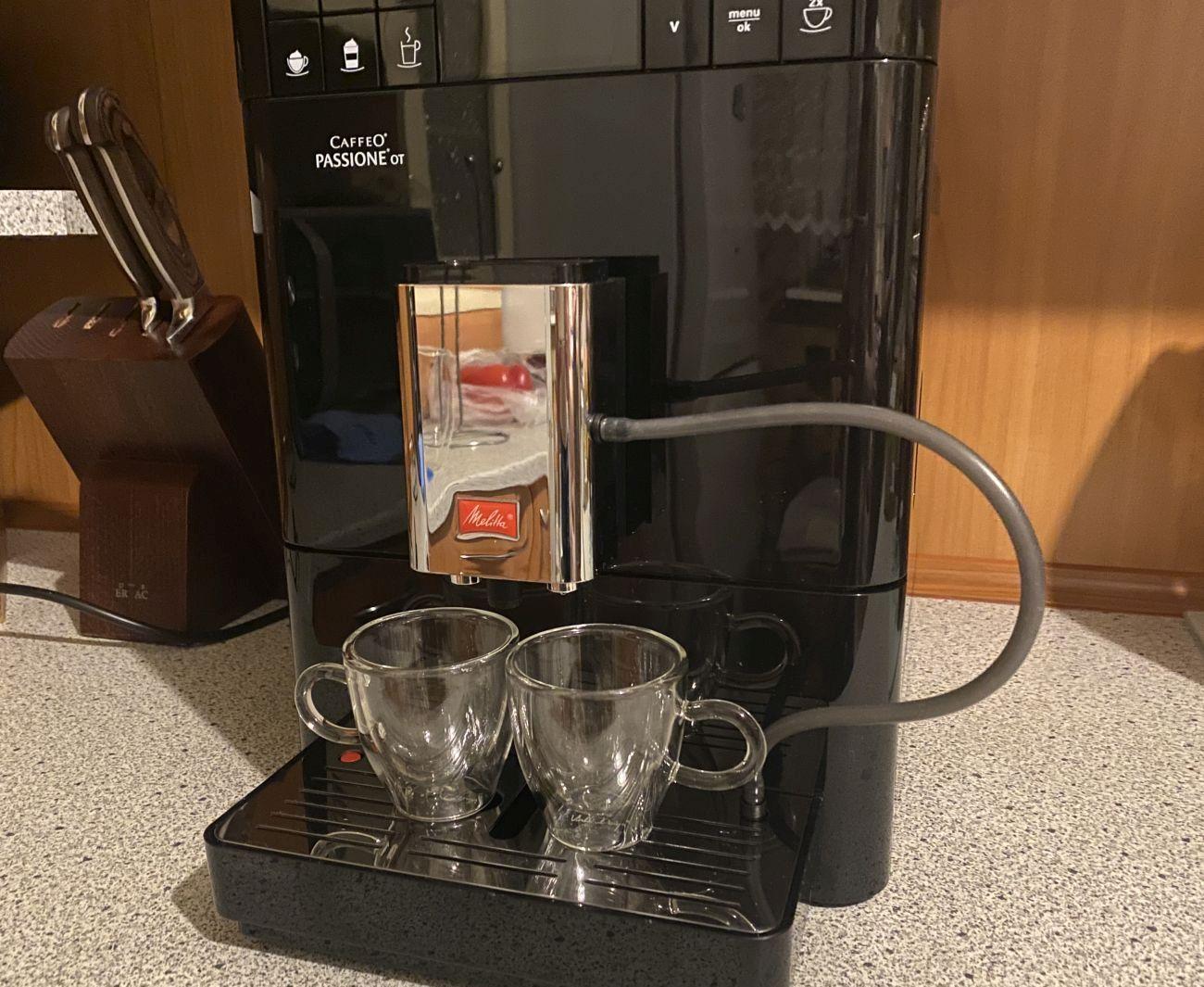 Melitta Passione OT F53/1-102 dozownik nad małymi szklankami do espresso