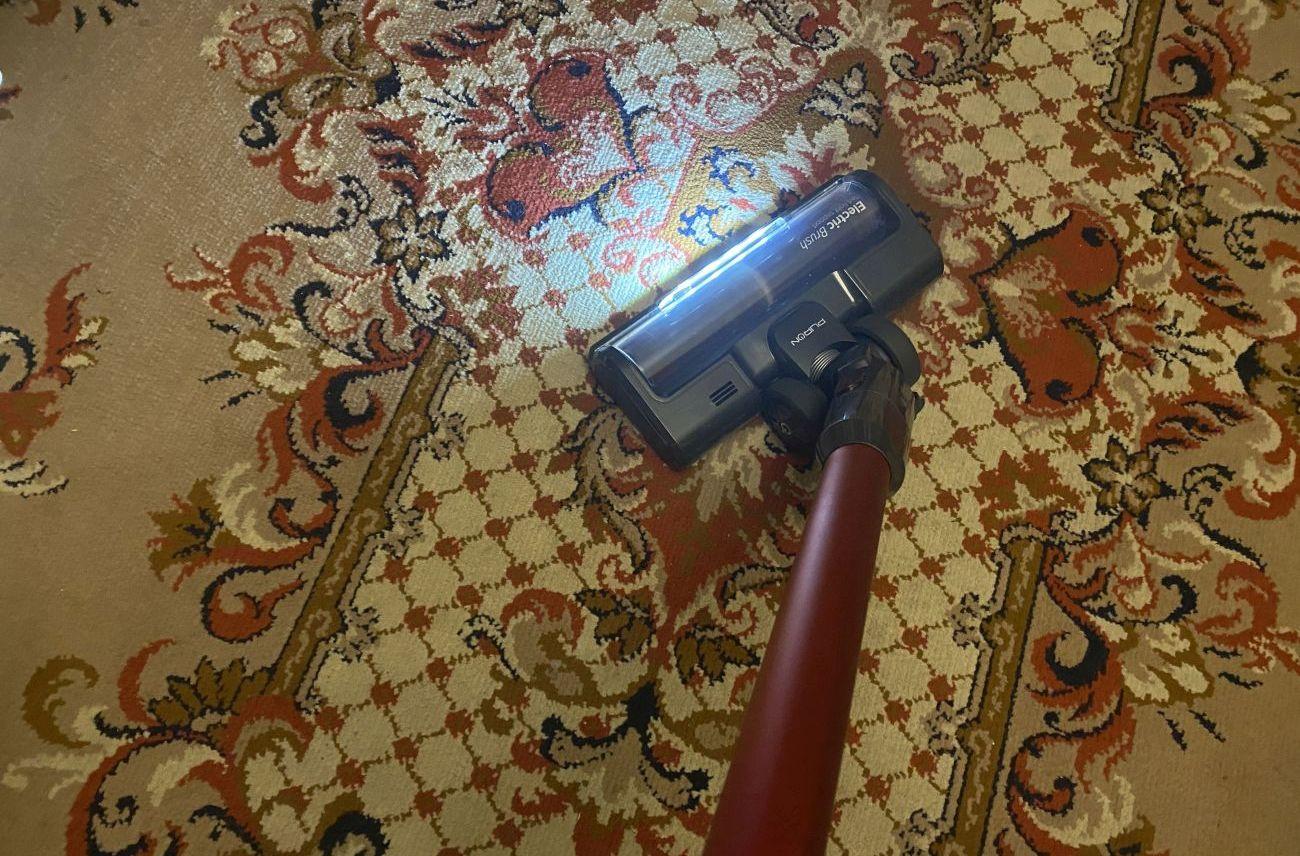 PURON PU20 odkurzanie dużego dywanu w drugim pokoju