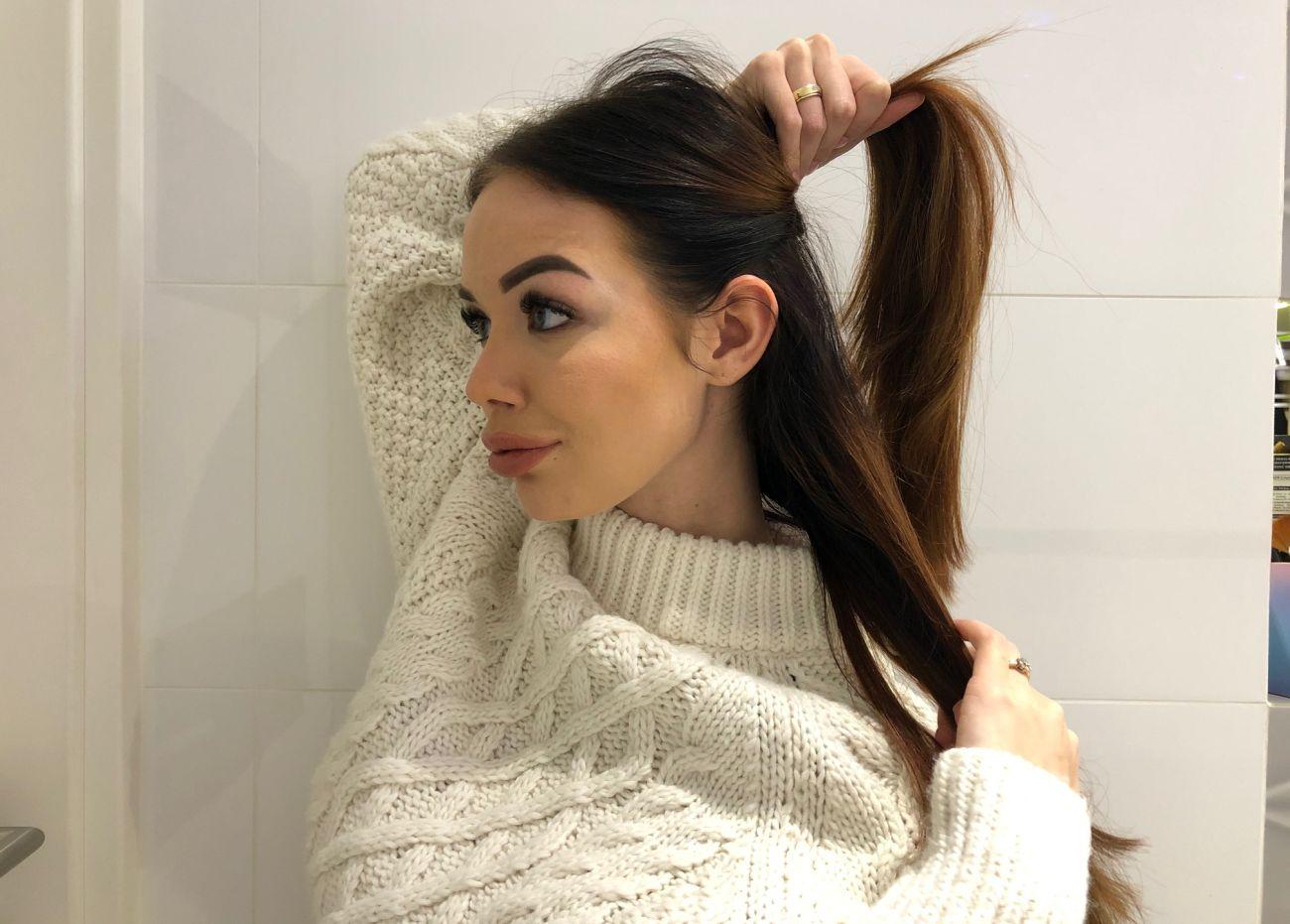 Robienie loków prostownicą - krok 6 - oddzielenie warstw włosów