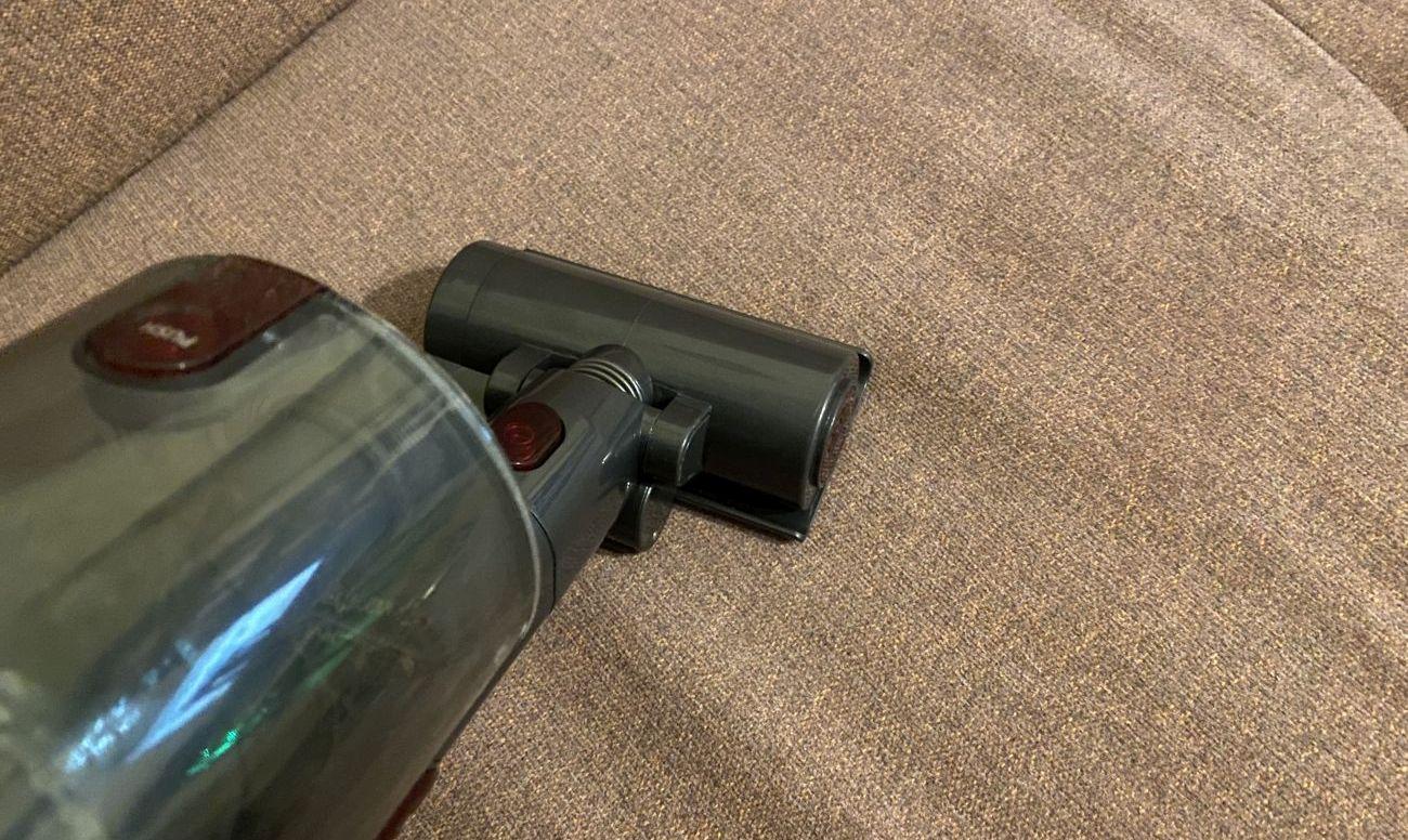 Przykładowa szczotka tapicerska odkurzacza pionowego 2