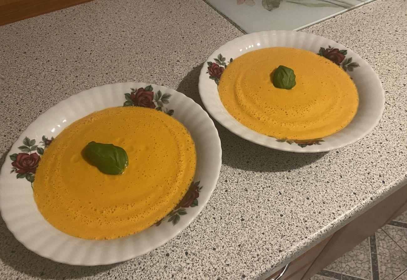Zupa-krem z pomidorów przygotowana w blenderze Blendtec Total 2
