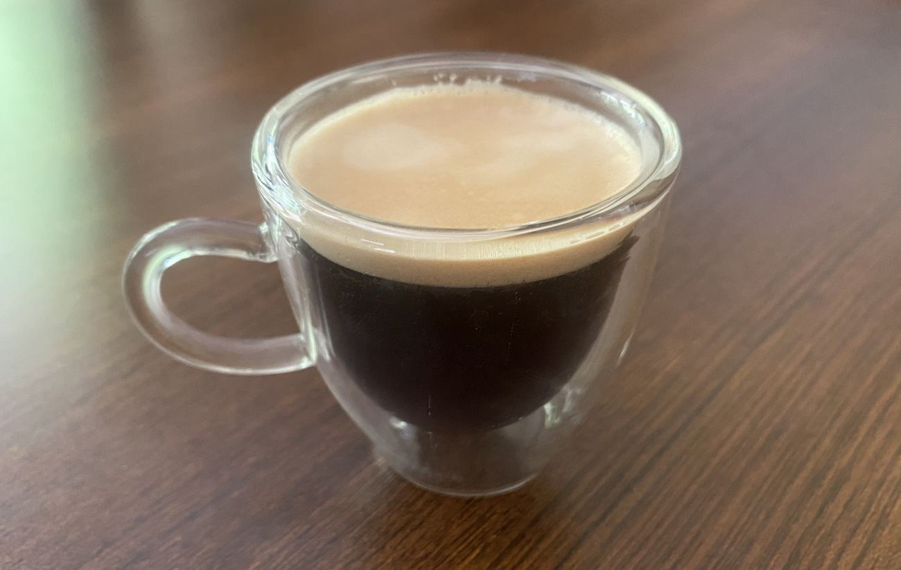 KRUPS Intuition Preference+ EA875U zrobione espresso