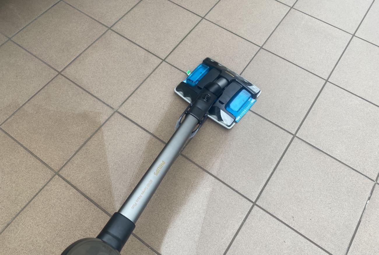 Philips XC8349/01 podczas testu mopowania tarasu 1